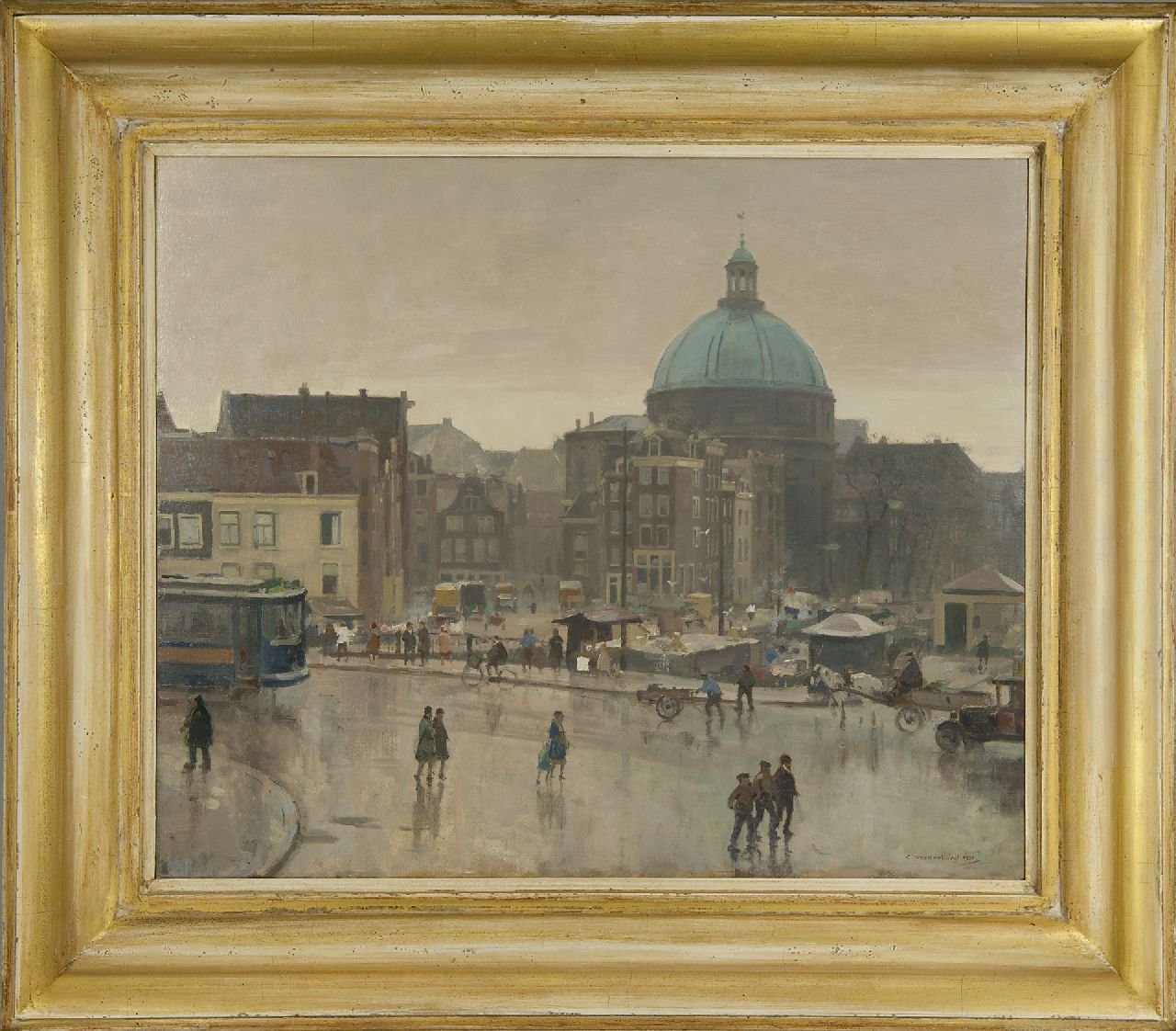 Vreedenburgh C.  | Cornelis Vreedenburgh | Paintings offered for sale | The Prins Hendrikkade, Amsterdam, with the Stromarkt and the Ronde Lutherse Kerk, oil on canvas 59.3 x 72.8 cm, signed l.r. and dated 1931