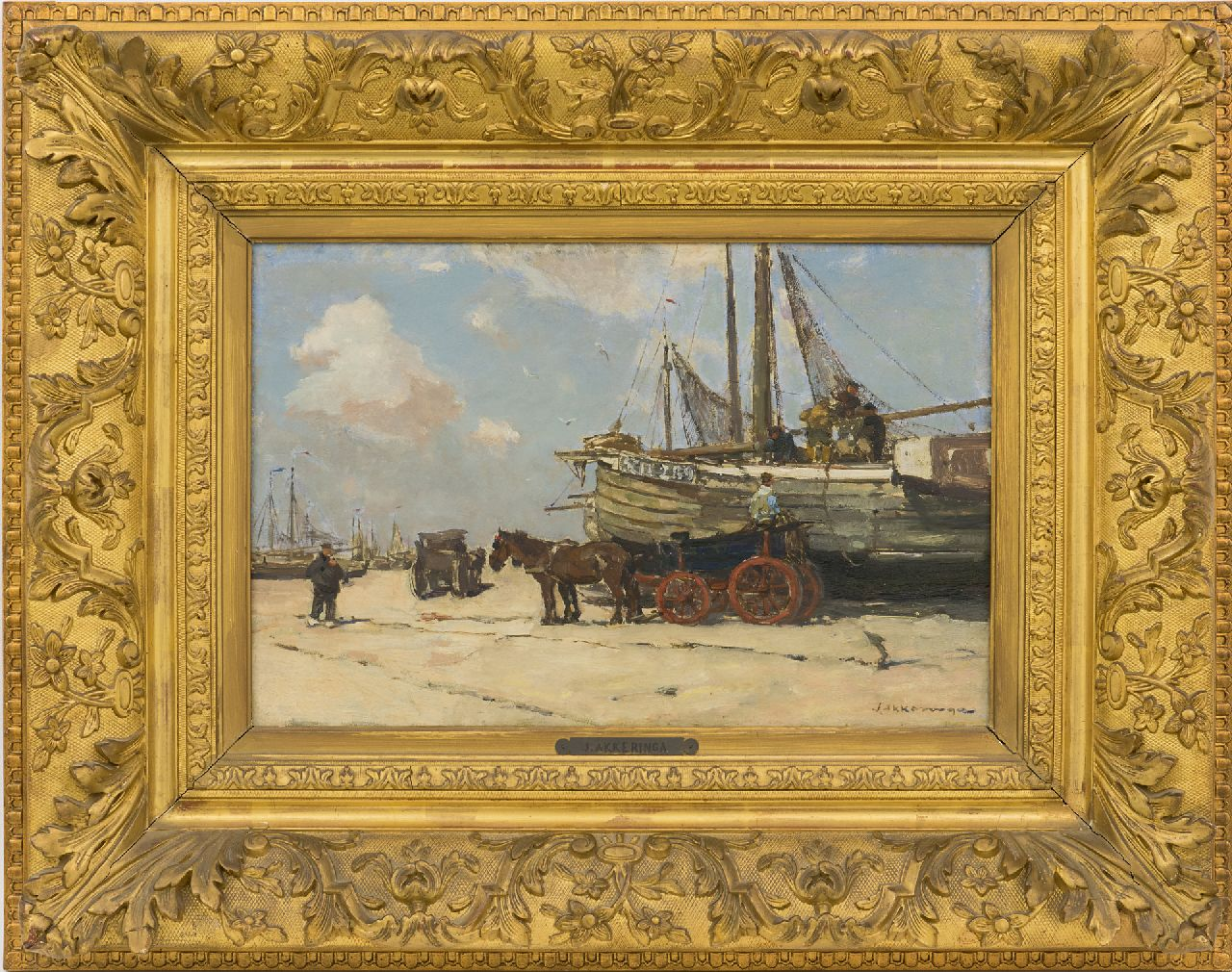Akkeringa J.E.H.  | 'Johannes Evert' Hendrik Akkeringa | Paintings offered for sale | Unloading the fishing boats on Scheveningen beach, oil on panel 26.6 x 40.1 cm, signed l.r. and painted ca. 1901