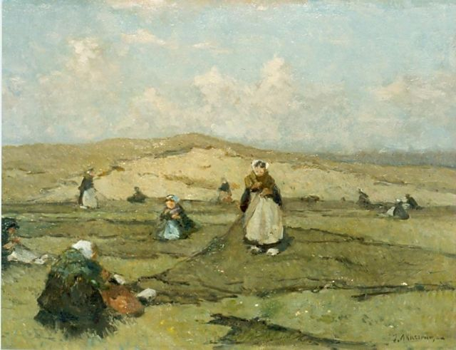 Johannes Evert Hendrik Akkeringa | Mending the nets in the dunes, oil on canvas, 33.0 x 45.0 cm, signed l.r.