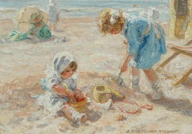 Jan Zoetelief Tromp | Girls playing on the beach of Katwijk, Holland, oil on panel, 18.9 x 26.6 cm, signed l.r.