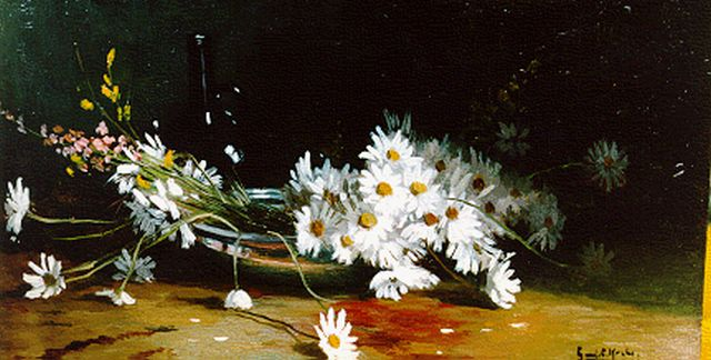 Gerard Krol | A still life with daisies, oil on panel, 17.5 x 30.3 cm, signed l.r.