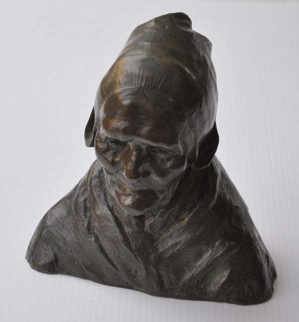 Charles van Wijk | Krijntje, bronze, 23.0 x 22.0 cm, signed on the back of the base and executed ca. 1903