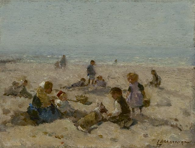 Johannes Evert Hendrik Akkeringa | Children on the Scheveningen beach, oil on panel, 15.4 x 20.3 cm, signed l.r.