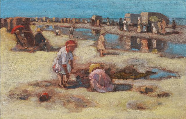 Marinus van der Maarel | Children playing on the beach at low tide, oil on canvas, 29.5 x 44.3 cm