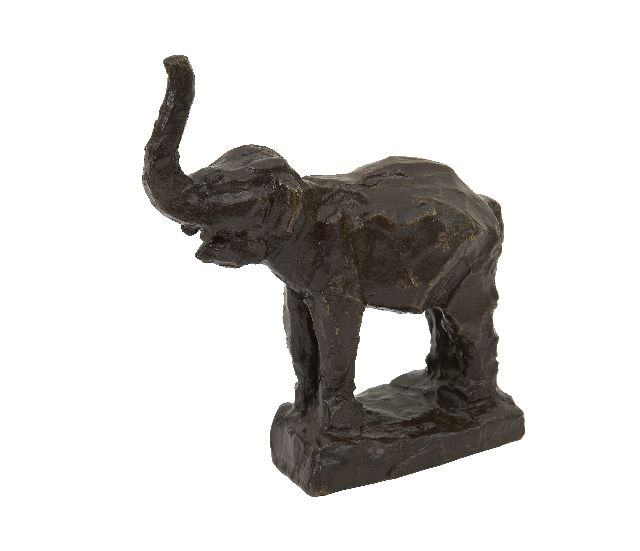 Lambertus Zijl | A baby elephant, patinated bronze, 14.5 x 12.5 cm, signed with initials on the base and executed in 1916