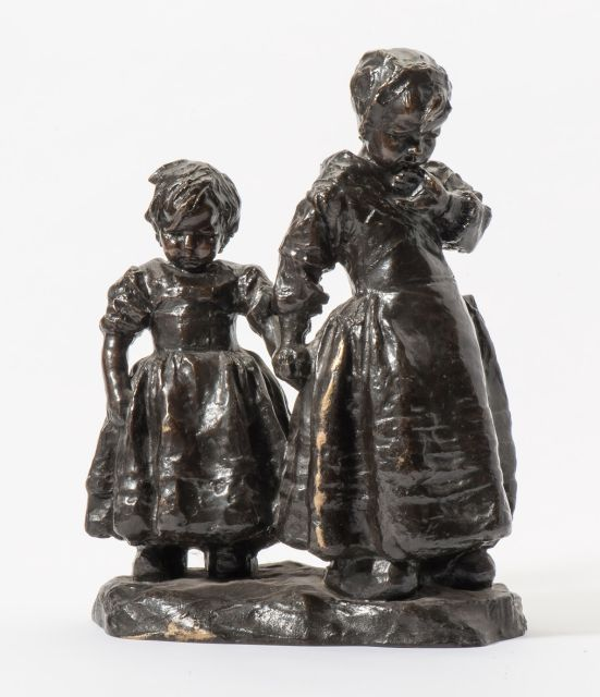 Charles van Wijk | Sisters, bronze, 37.5 x 29.0 cm, signed on the base and executed ca. 1908