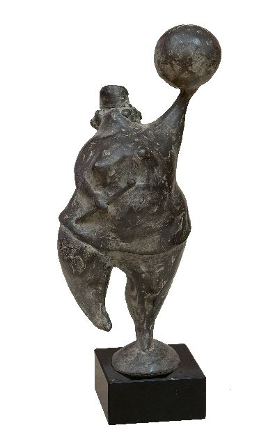 Evert van Hemert | Majorette, patinated bronze, 22.0 x 9.5 cm, signed with monogram on the base and executed in 2006
