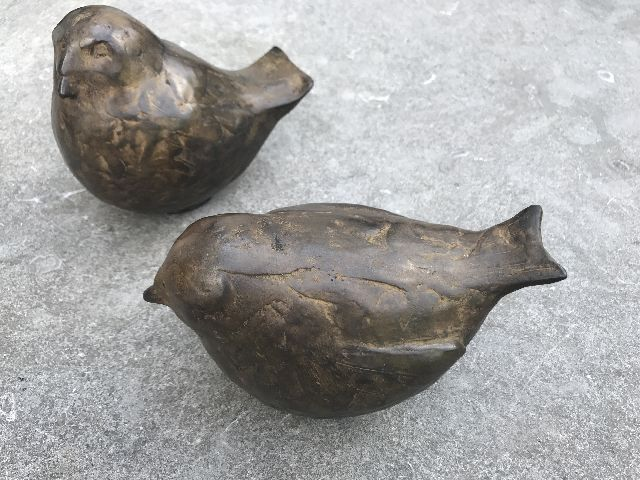 Evert van Hemert | Love birds (2), patinated bronze, 13.5 x 14.5 cm, signed with monogram under the tail and executed in 2013
