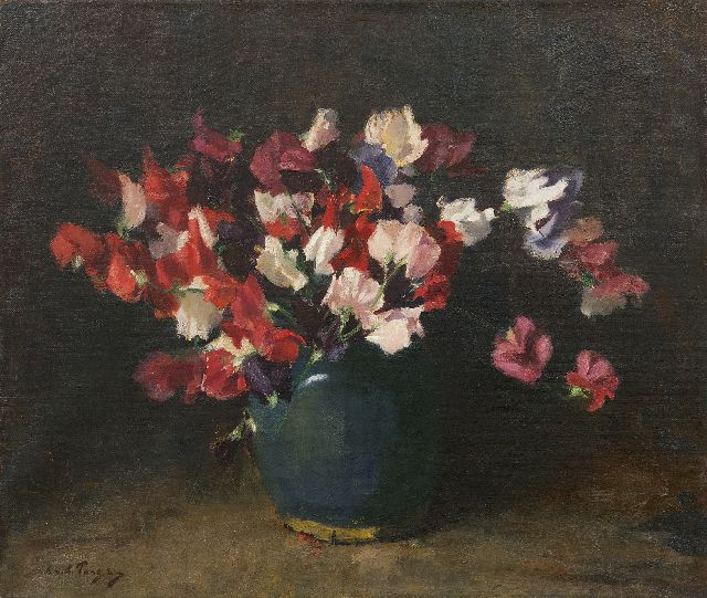 Lammert van der Tonge | Sweet pea in a green vase, oil on canvas, 45.5 x 53.6 cm, signed l.l.