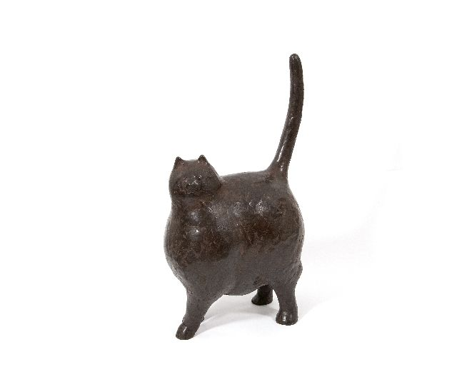 Evert van Hemert | The new cat, bronze, 54.0 cm, signed under the tail and made in 2012
