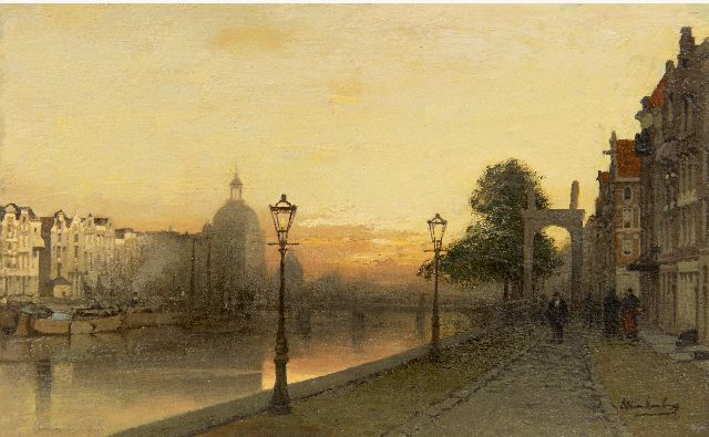 Karel Klinkenberg | The Singel in Amsterdam at sunset, oil on panel, 15.2 x 24.6 cm, signed l.r.