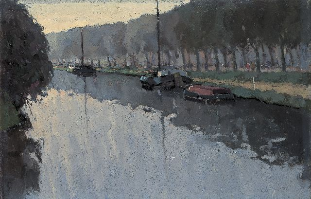 Hynckes R.  | The Drentse Hoofdvaart with moored boats, oil on canvas 64.7 x 100.7 cm, painted circa 1915